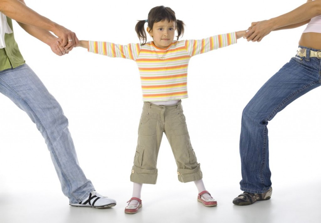 Divortul intre datorie si necesitate