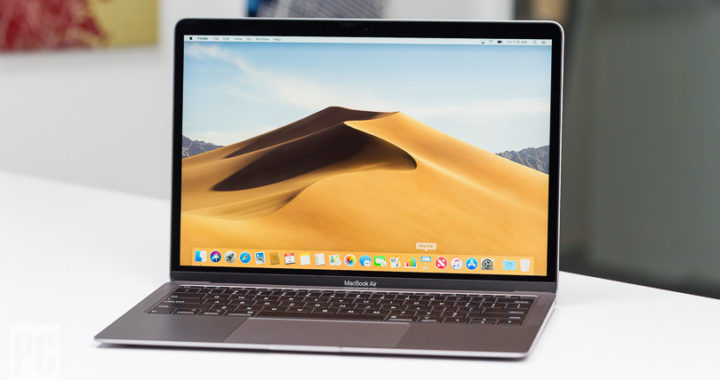 MacBook Air 2018 la ceas aniversar